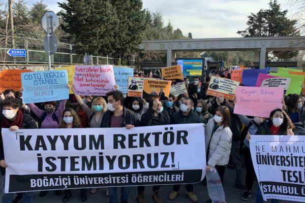 Türkiye Gençliğinin Özerk Üniversite Mücadelesini Destekliyoruz!
